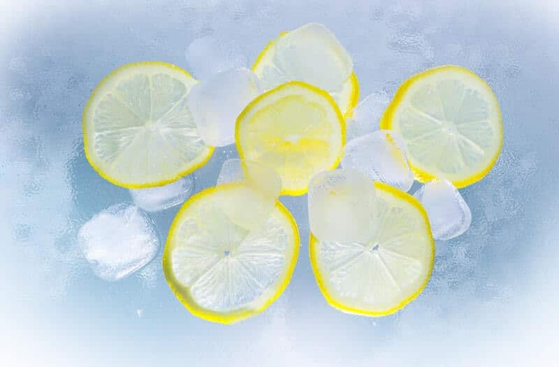 Glaçons avec citrons